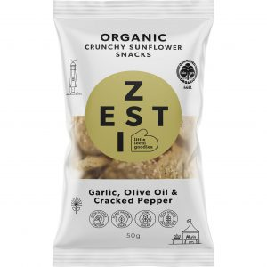 Zesti garlic, olive oil and cracked pepper flavoured organic sunflower snacks